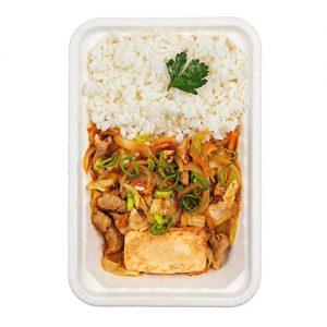 Корейское жаренное кимчи со свининой и тофу